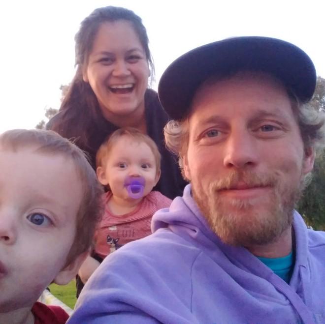 Bà mẹ dìm chết 3 con thơ dưới nước, vừa hành động vừa ôm hôn nói lời xin lỗi, uẩn khúc phía sau khiến cảnh sát bối rối - ảnh 5