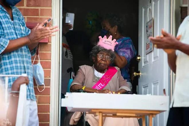 Cụ bà sống thọ nhất nước Mỹ với 125 người chắt, trải qua 2 trận đại dịch của thế giới vừa qua đời trong sự tiếc thương của nhiều người - ảnh 4