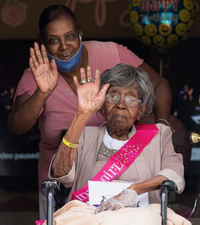 Cụ bà sống thọ nhất nước Mỹ với 125 người chắt, trải qua 2 trận đại dịch của thế giới vừa qua đời trong sự tiếc thương của nhiều người - ảnh 5
