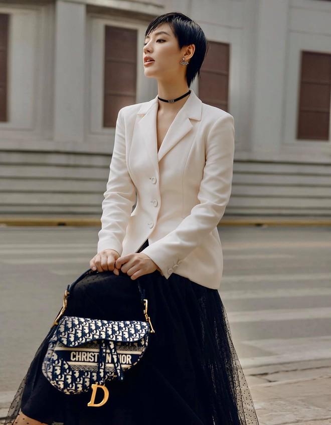 """Jisoo đụng áo Dior với 2 mỹ nhân Việt: Khánh Linh kiêu sa, Châu Bùi quằn quại"""" hơn nhưng liệu có lép vế? - ảnh 6"""
