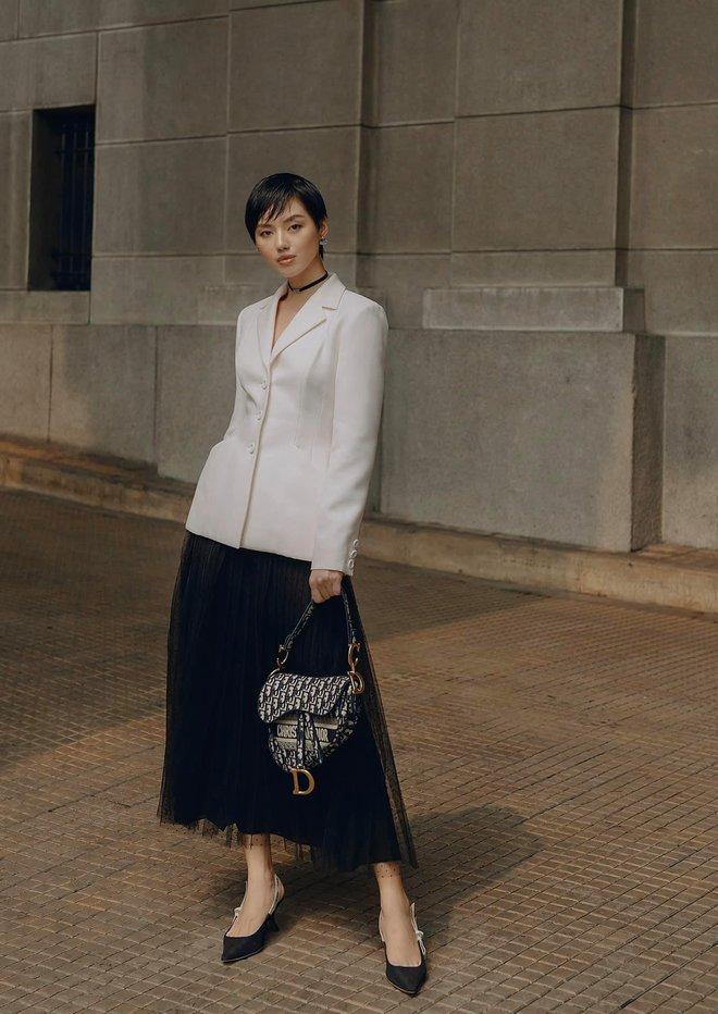 """Jisoo đụng áo Dior với 2 mỹ nhân Việt: Khánh Linh kiêu sa, Châu Bùi quằn quại"""" hơn nhưng liệu có lép vế? - ảnh 7"""