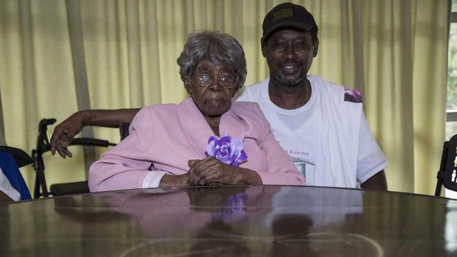 Cụ bà sống thọ nhất nước Mỹ với 125 người chắt, trải qua 2 trận đại dịch của thế giới vừa qua đời trong sự tiếc thương của nhiều người - ảnh 7