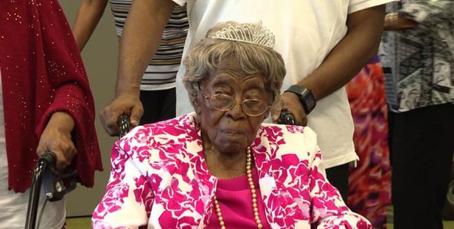 Cụ bà sống thọ nhất nước Mỹ với 125 người chắt, trải qua 2 trận đại dịch của thế giới vừa qua đời trong sự tiếc thương của nhiều người - ảnh 1