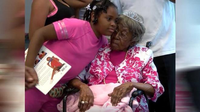 Cụ bà sống thọ nhất nước Mỹ với 125 người chắt, trải qua 2 trận đại dịch của thế giới vừa qua đời trong sự tiếc thương của nhiều người - ảnh 8