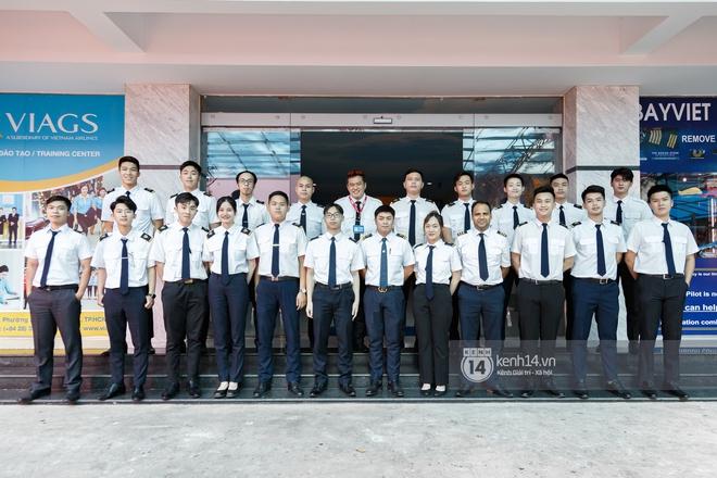 Khám phá trường dạy phi công học phí 1,8 tỷ: Toàn trai xinh gái đẹp, học và thi gấp 2, 3 lần ngành khác nhưng lương bằng 14 lần nhân viên văn phòng - ảnh 1