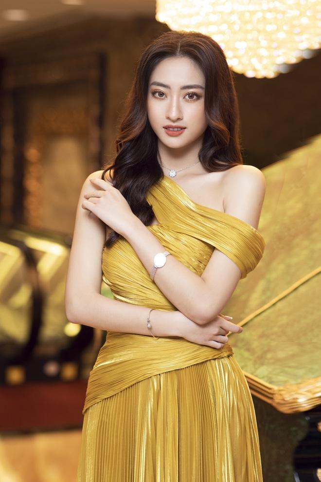Hoa hậu Lương Thùy Linh trả lời siêu thông minh khi bị sinh viên hỏi khó, bắn tiếng Anh được cả hội trường khen ngợi - ảnh 4