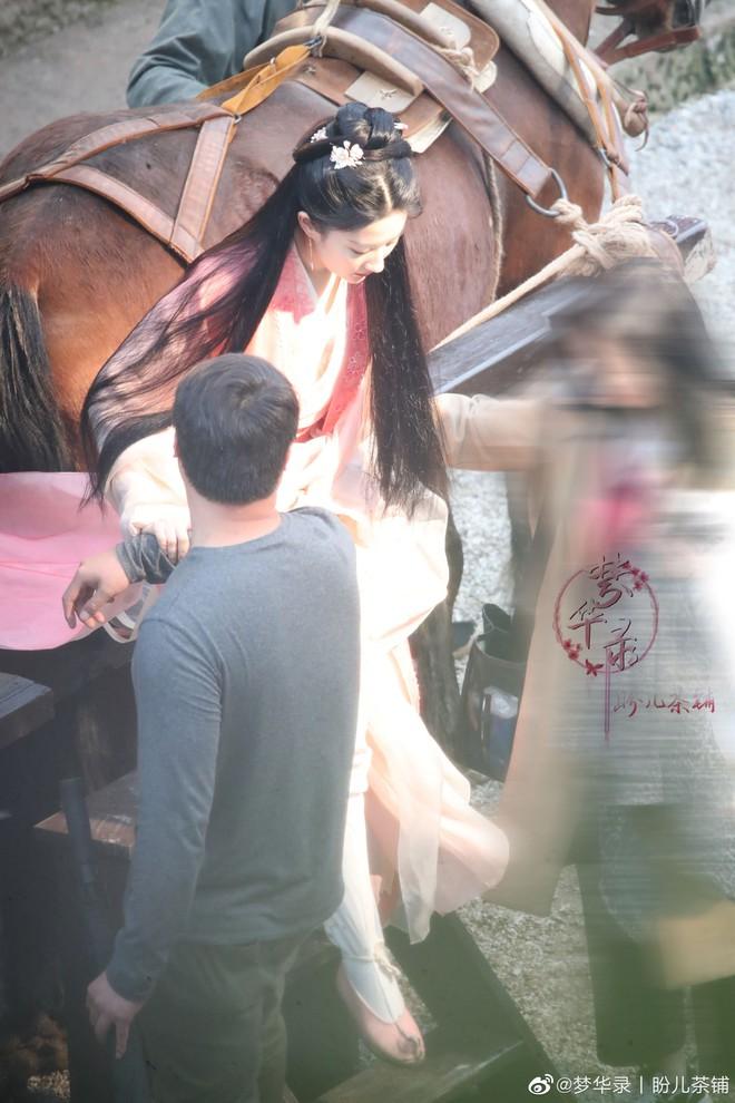 Chỉ với 1 bức ảnh, Lưu Diệc Phi khiến Cnet điên đảo: Visual kiều diễm đã trở lại, góc nghiêng đúng là thần thánh - ảnh 2