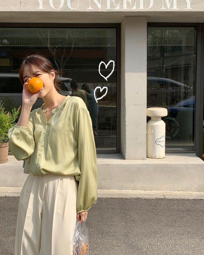 Muốn style công sở bớt nhạt, gái Hàn khuyên bạn nên thêm 4 màu sắc này vào tủ đồ - ảnh 5