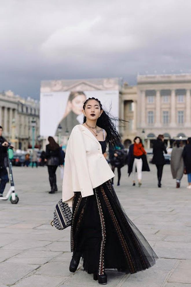"""Jisoo đụng áo Dior với 2 mỹ nhân Việt: Khánh Linh kiêu sa, Châu Bùi quằn quại"""" hơn nhưng liệu có lép vế? - ảnh 9"""