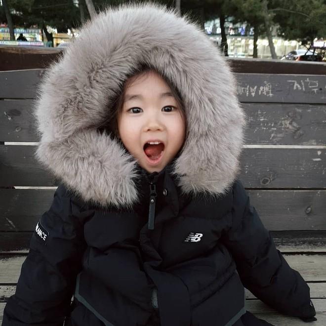 Nhan sắc sao nhí đang hot vì vừa gia nhập YG: Xinh như búp bê, chiếm spotlight khi đứng bên Park Min Young - Ha Ji Won - ảnh 10