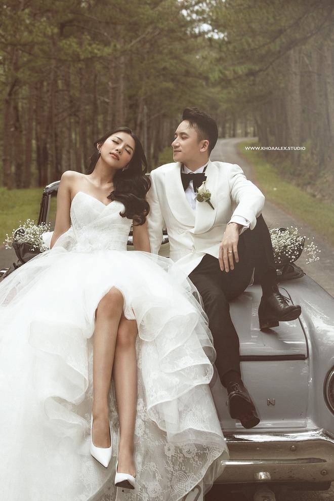 Giữa drama, Phan Mạnh Quỳnh và cô dâu hot girl bỗng lộ ảnh cưới chưa từng được công bố: Đẹp như phim thế này nhìn muốn cưới quá! - ảnh 2