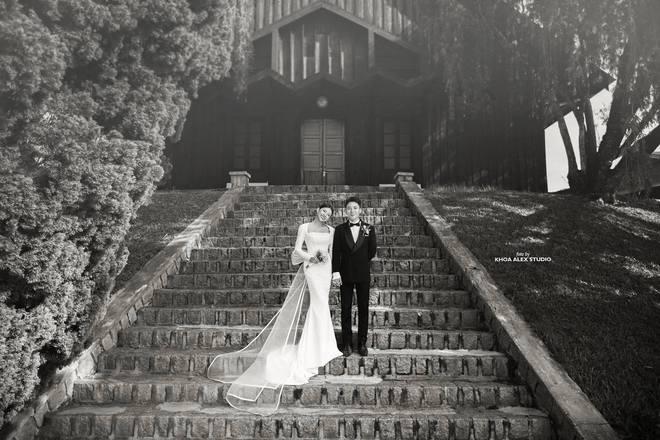 Giữa drama, Phan Mạnh Quỳnh và cô dâu hot girl bỗng lộ ảnh cưới chưa từng được công bố: Đẹp như phim thế này nhìn muốn cưới quá! - ảnh 6