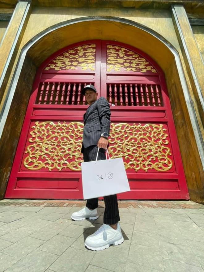 NTK Công Trí bắt tay Biti's Hunter tạo siêu phẩm sneaker mới, có gì hot mà netizen phát cuồng hết cả lên? - ảnh 6