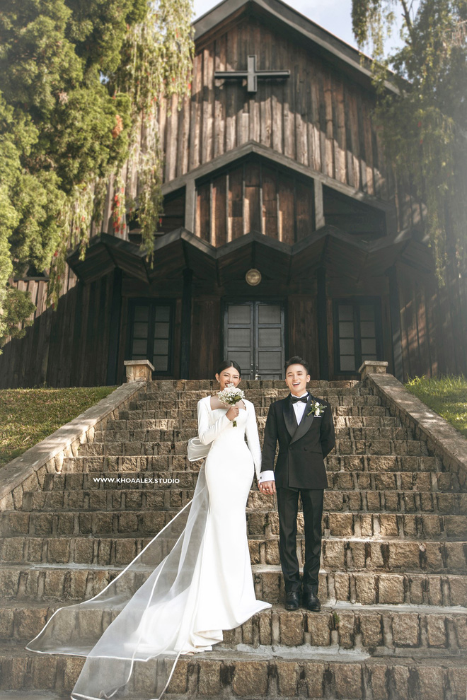 Giữa drama, Phan Mạnh Quỳnh và cô dâu hot girl bỗng lộ ảnh cưới chưa từng được công bố: Đẹp như phim thế này nhìn muốn cưới quá! - ảnh 7