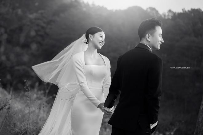 Giữa drama, Phan Mạnh Quỳnh và cô dâu hot girl bỗng lộ ảnh cưới chưa từng được công bố: Đẹp như phim thế này nhìn muốn cưới quá! - ảnh 3