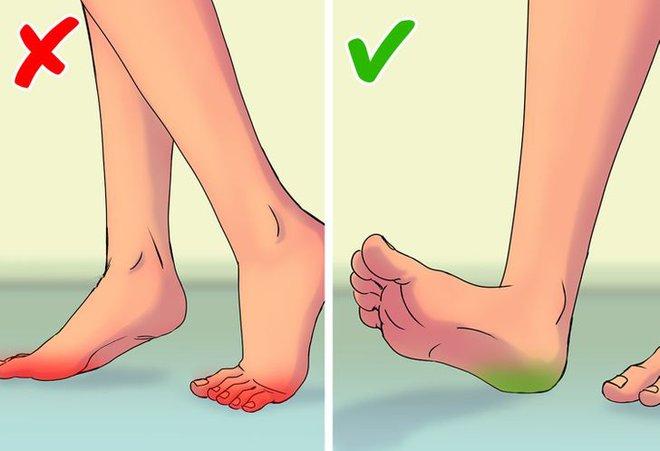 9 lỗi sai trong việc đi bộ mà 90% ai cũng mắc phải, cứ ngỡ chẳng vấn đề gì nhưng thực ra đang huỷ hoại vóc dáng và sức khoẻ của bạn - Ảnh 3.