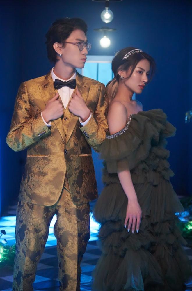 Vpop đón tân binh mới tưởng lạ hóa quen, MV debut kết hợp học trò Binz được netizen khen nức nở, đòi quên ngay Phí Phương Anh! - ảnh 1