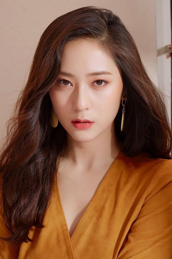 9 idol hiếm hoi được gọi là công chúa băng giá: Chị em Jessica và Irene làm nên khái niệm, nhưng bất ngờ nhất là Jennie - ảnh 6