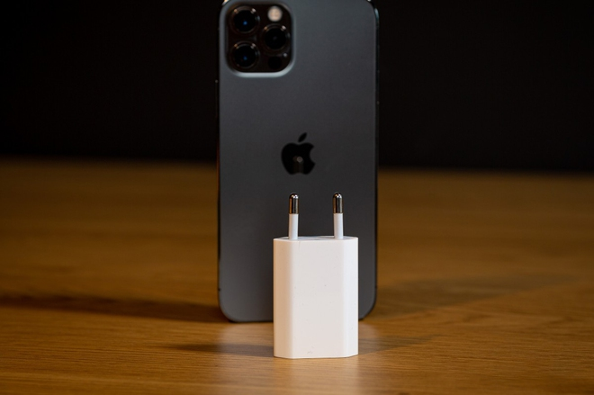 Mẹo đơn giản giúp sạc iPhone nhanh như cách người yêu cũ lật mặt - Ảnh 2.