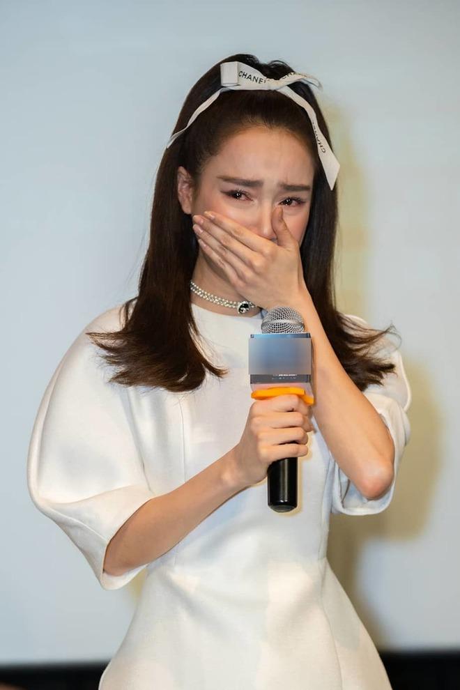 Khung hình tiên tri chấn động Vbiz: Cả dàn mỹ nhân trong ảnh Nhã Phương, Ngọc Trinh, Lan Ngọc đều dính liên hoàn scandal  - Ảnh 9.