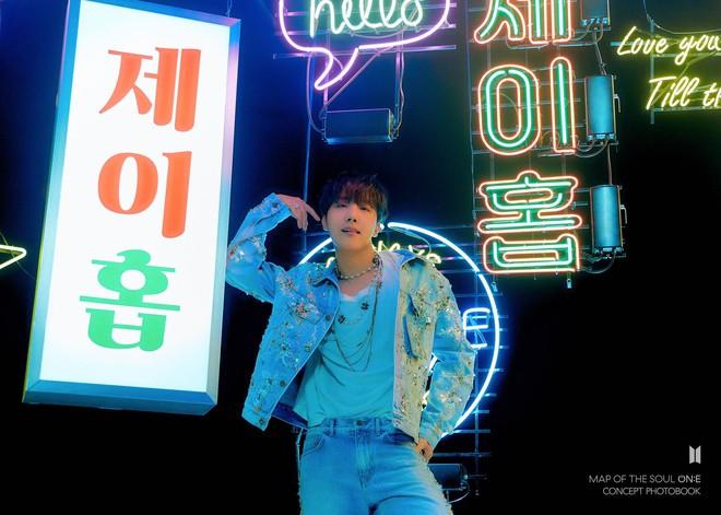 BTS đánh úp tung bộ hình ngầu xỉu trước thềm comeback, fan lại chuẩn bị cháy túi rồi đây! - ảnh 12