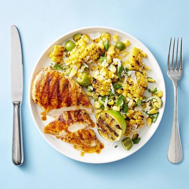 Điểm mặt 3 thói quen ăn tối cực tai hại dễ khiến sức khỏe của bạn chệch khỏi quỹ đạo - ảnh 5