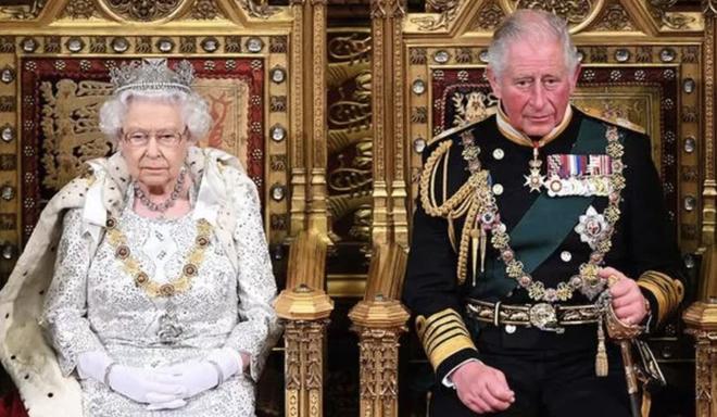 Động thái hiếm có của Nữ hoàng Anh khi truyền thông liên tục bàn tán về nghi vấn thoái vị, an dưỡng sau sự ra đi của người chồng 73 năm - ảnh 1