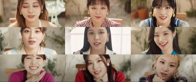 TWICE vừa chốt comeback Hàn đã tung MV Nhật: 1 thành viên mất tích ở loạt cảnh vũ đạo, hình ảnh xịn xò được khen tới tấp - ảnh 9