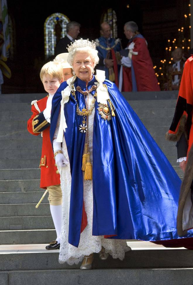 4 món quà chất đầy tâm tư mà Hoàng thân Philip tặng cho Nữ hoàng Anh, trở thành kỷ vật đi cùng bà suốt những năm tháng đẹp nhất đời - ảnh 4