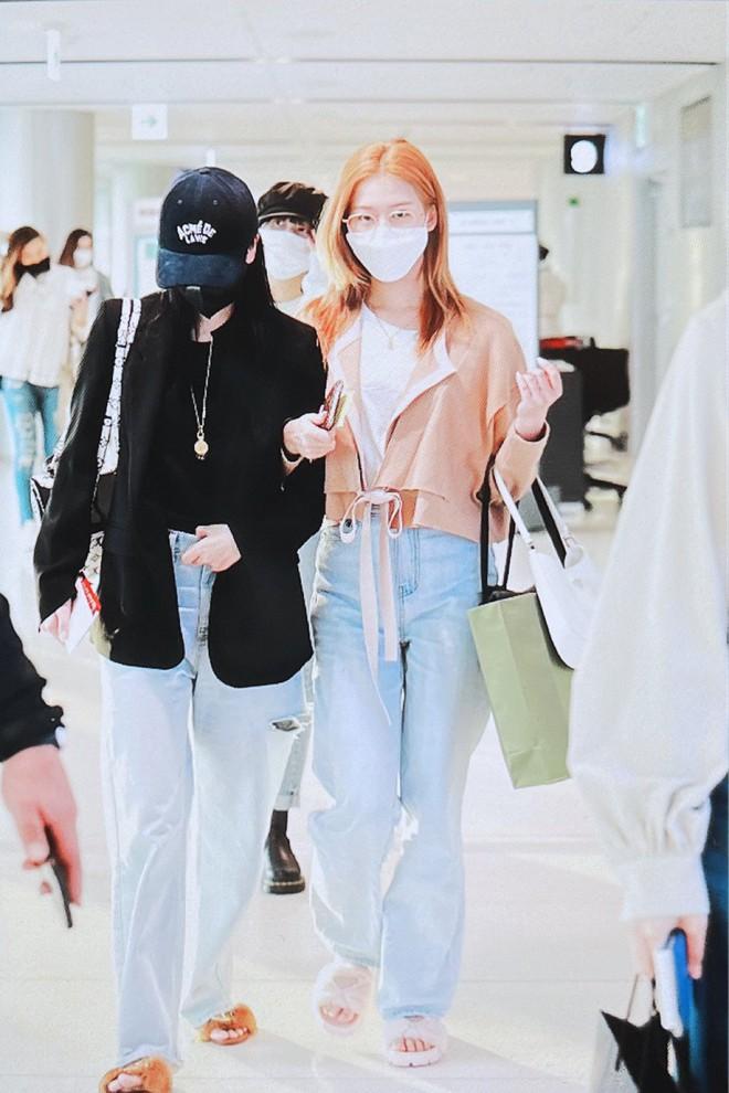4 nàng visual của Twice nổi bần bật khi diện toàn đồ hiệu xịn, nhưng đôi dép lông bô nhếch mới chiếm spotlight - ảnh 11