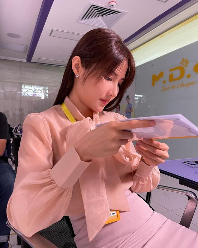 Hết Minh Hằng rồi đến Diễm My 9x khoe style công sở chuẩn sành điệu và thanh lịch trong phim mới - ảnh 5