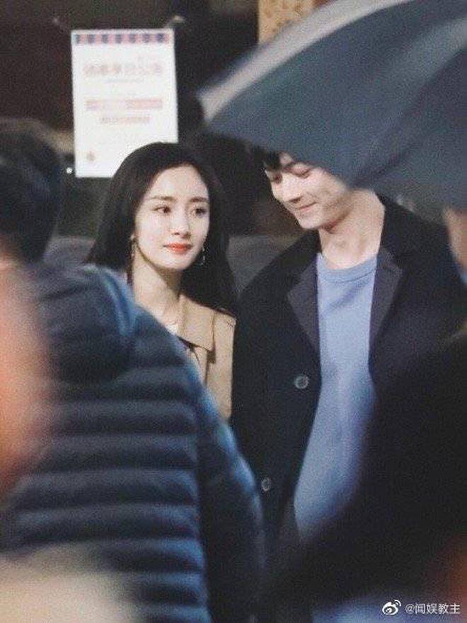 Fan chán ngán vì Dương Mịch - Hứa Khải diễn chẳng ra couple ở phim mới, có cảnh còn fail đến sượng trân - ảnh 3