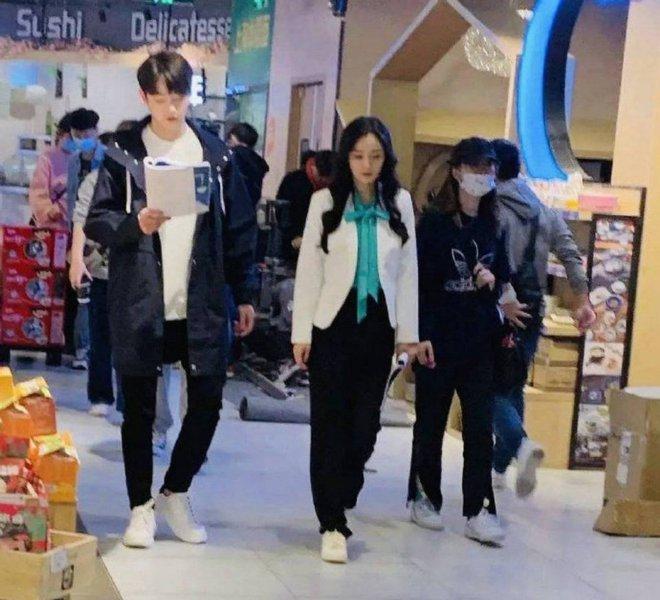Fan chán ngán vì Dương Mịch - Hứa Khải diễn chẳng ra couple ở phim mới, có cảnh còn fail đến sượng trân - ảnh 7