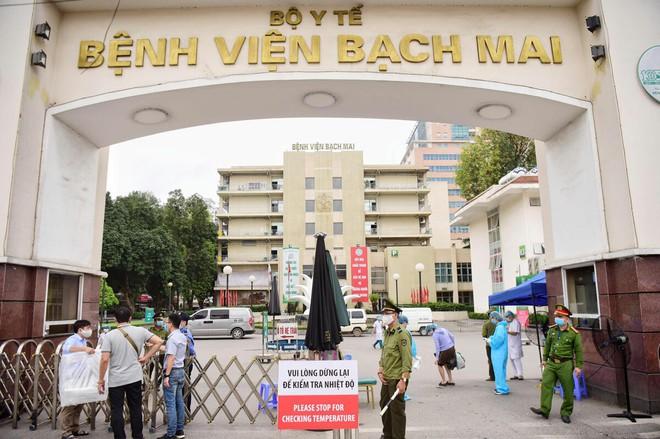 Đề nghị truy tố cựu Giám đốc Bệnh viện Bạch Mai và 7 đồng phạm vụ nâng khống giá thiết bị y tế - ảnh 1