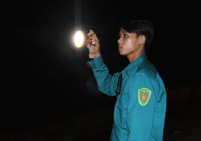 Trắng đêm phòng giặc COVID-19 ở biên giới Tây Nam - ảnh 7
