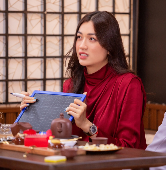 Khánh Vân được đàn chị dặn đề phòng vì có thể bị chơi xấu ở Miss Universe - ảnh 3