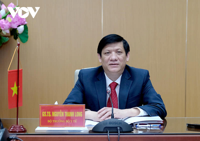 Bộ trưởng Bộ Y tế: Có lúc 10/11 người nhập cảnh đường bộ dương tính với SARS-CoV-2 - ảnh 1