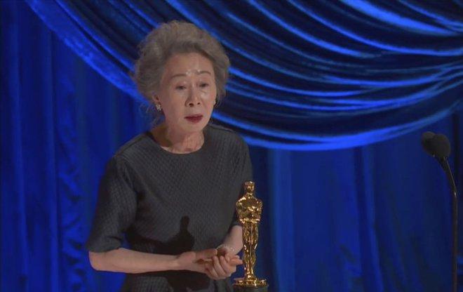 Sao Hàn 73 tuổi lập kỷ lục Oscar mà Parasite chưa từng làm được, Đại sứ quán Mỹ còn chúc mừng trước cả thế giới - Ảnh 1.