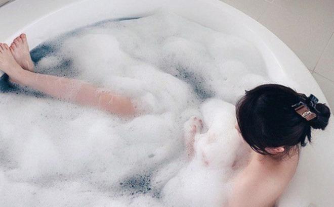 3 điều cấm kỵ khi tắm mà bạn cần tránh nếu không muốn sức khỏe thụt lùi theo thời gian - ảnh 1