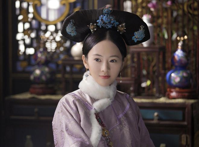 Ẩn ý phía sau búi tóc cồng kềnh của phụ nữ triều đại nhà Thanh: Tốn nhiều giờ tạo kiểu, cài đủ thứ lên đầu đâu chỉ để làm đẹp - ảnh 5