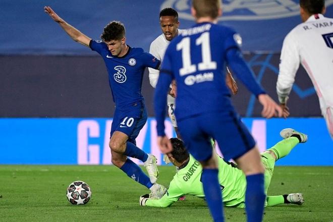 Benzema ghi bàn đẳng cấp, Real thoát thua Chelsea - ảnh 1