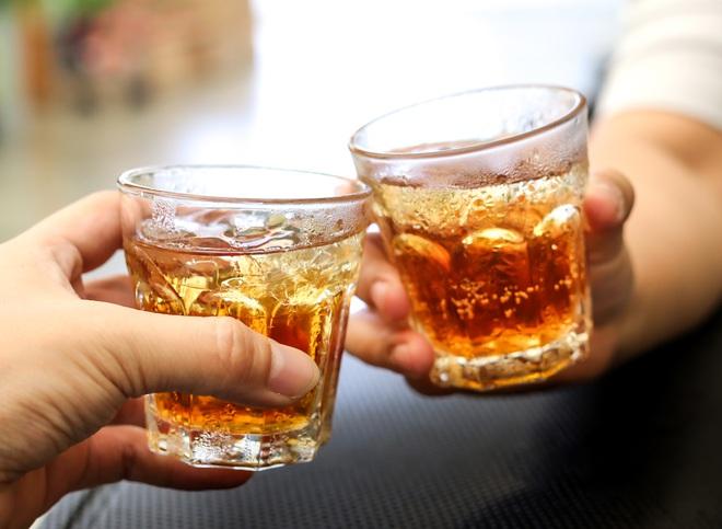 4 loại đồ uống hại thận, gây suy thận, bệnh thận mãn tính nhưng lại là thứ yêu thích của nhiều người trẻ - ảnh 4
