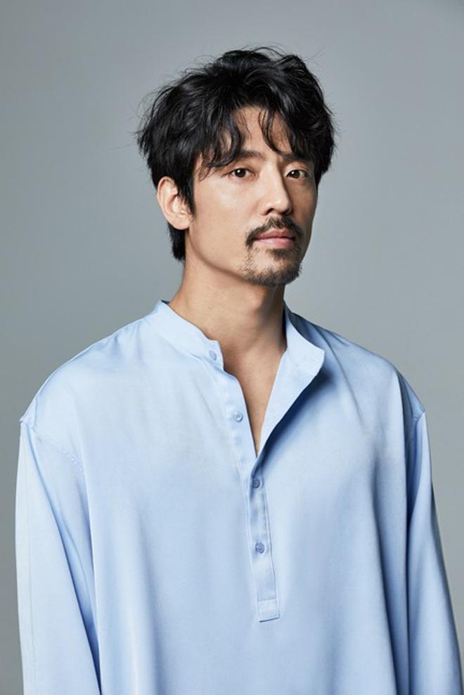 2 năm ly hôn Song Joong Ki, Song Hye Kyo lần đầu công khai khoe quà của 1 nam tài tử đình đám, có ẩn tình gì không đây? - Ảnh 3.