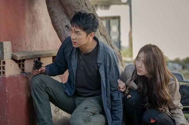 Lee Seung Gi thăng hạng diễn xuất nhờ vai phản diện đầu tay ở bom tấn Mouse 008