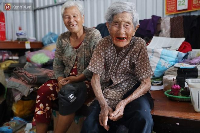 """Về miền Tây nghe cụ Út hài hước kể chuyện một đời lo chữ hiếu: """"Tui đợi má mất thì sẽ lấy chồng, dè đâu má thọ 100 tuổi"""" - Ảnh 8."""