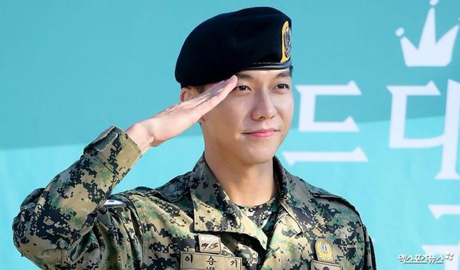 Chết chìm với sự mlem của rể quốc dân Lee Seung Gi, từ body đến gương mặt đều là hàng cực phẩm! - ảnh 21