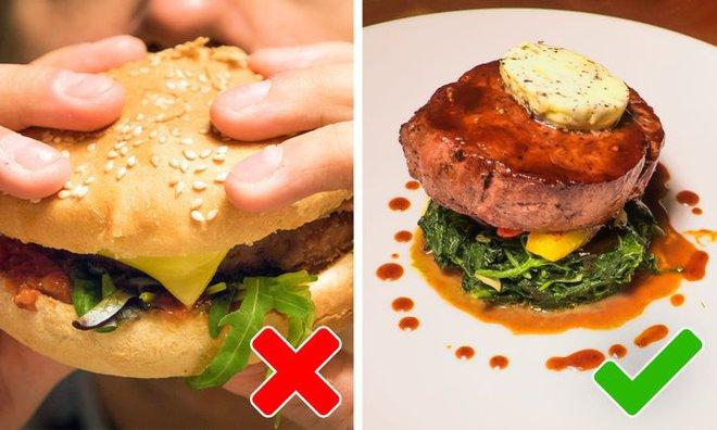 9 quy tắc ăn uống của Hoàng gia Anh sẽ khiến dân tình phải thốt lên: Làm quý tộc cũng chẳng sung sướng gì - ảnh 1
