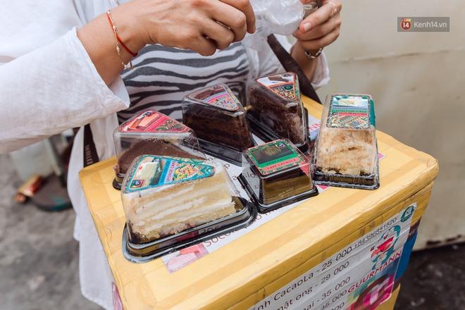 Ảnh, clip: Gặp cô Tây xinh đẹp bán bánh kem dạo mưu sinh trên đường phố Sài Gòn - Ảnh 8.
