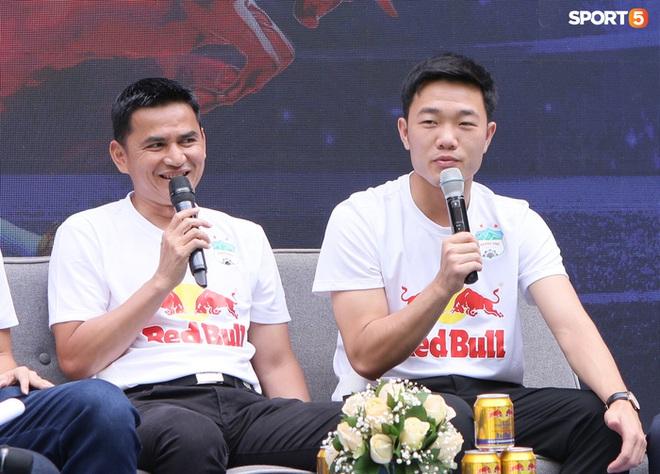 HLV Kiatisuk nói tiếng Việt đáng yêu, chúc mừng Xuân Trường làm lễ ăn hỏi - ảnh 2