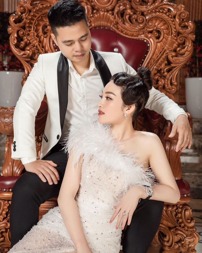 Cô dâu 200 cây vàng được chồng chiều như bà hoàng, tặng chiếc đồng hồ chỉ sương sương 1,6 tỷ chứ nhiêu - ảnh 2